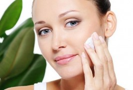 Як доглядати за жирною шкірою обличчя влітку?